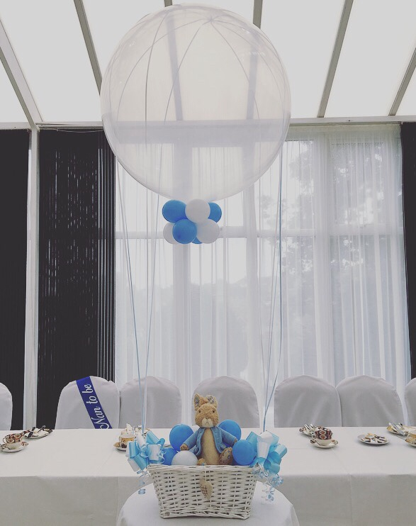 Peter Rabbit baby shower - Peter Rabbit hot air balloon