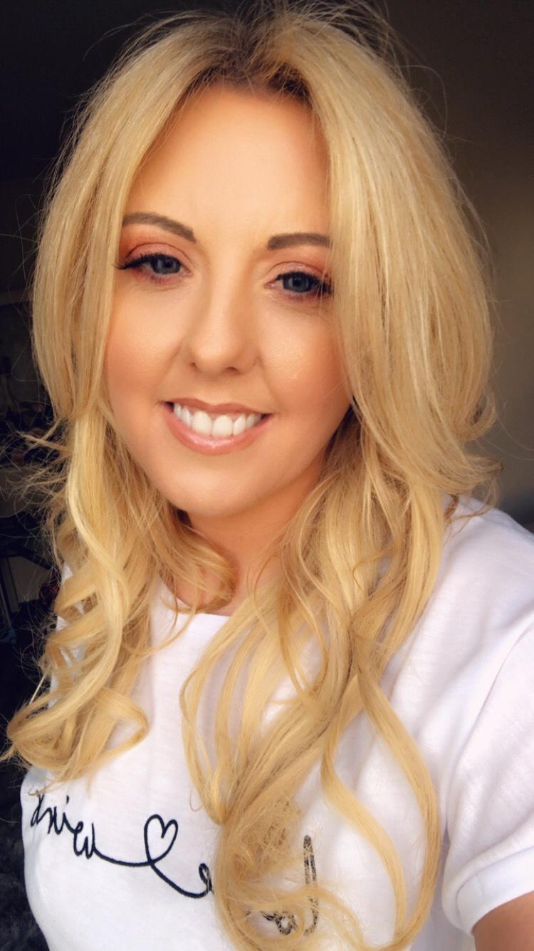 Blogger Corrina Maria